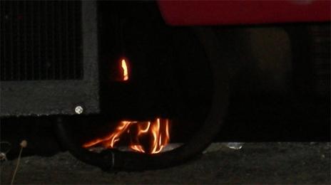 Hoří vlak.